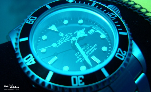 Rolex_Sea_Dweller_4000_Dial_Submerged