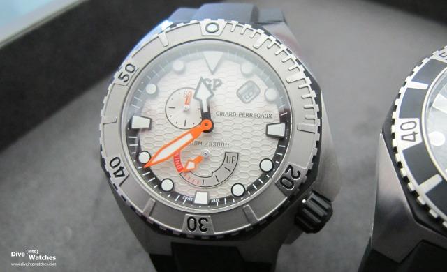 Girard_Perregaux_Sea_Hawk_III_Silver_Front