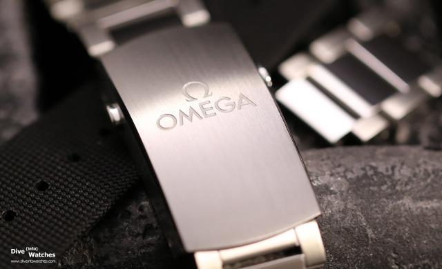 Omega_Seamaster_300_Master_Coax_SS_Bracelet_Clasp